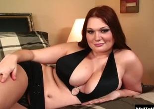 Sexy redhead Cassandra Calogera