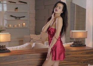 Carmen Summer is really proud be advisable for her smooth body and be transferred to shaved cunny