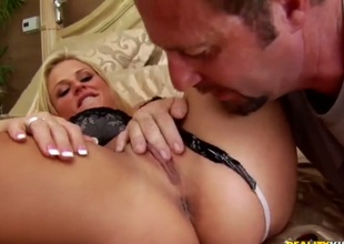 Blonde pornstars is getting her pussy massaged