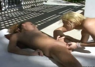 Blonde gives herself some honeypot stimulation with a difficulty help of her fingers