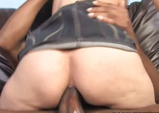 Luscious Amber Rayne face hole fucks this unending dick