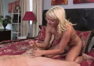 Layla Price can't observe without rosiness later on her flawless ass is worshiped. After being picked up in a bar, the action moves to her niche where she acquires an anal gangbang.