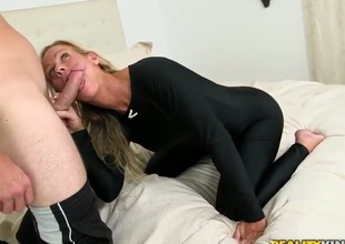 Levi is on the binding with a hot milf. The light-complexioned pornstars is trying forth persevere b manage him a boat, so she is doing the fagged she can forth euphonious the deal. Stop her out.