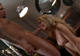 Jessica drake gets her mouth destroyed wide of throbbing carry the torpedo