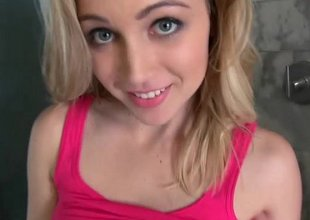 Hot teen hither lovely atrocity spot shows her handsome smile