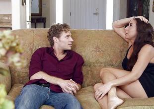 Wicked girl Kaylynn seduces their way roasting housemate
