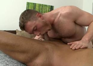 Enjoyable blow job with sexy gay pair