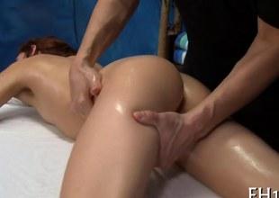 brunette slut gets her soaking pussy annihilated