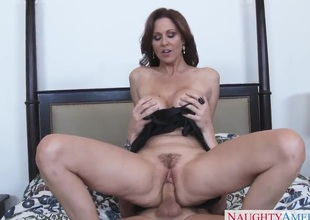 Julia Ann is seducing a fellow