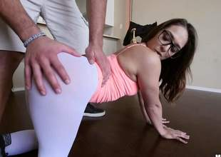 hot Sara Luvv is proud of their way simmer butt. Four-eyed chick shows their way cameltoe and then pulls down their way skin tight uninspired panties. Her chubby ideal ass makes mans knees breakable
