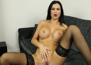 Pornstar Jasmine Jae gives the hottest JOI