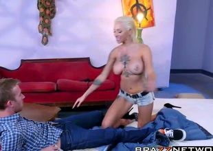 Prexy Harlow Harrison loves forth scenic route his biggest dick roughly