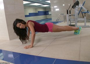 Alexa Tomas zoological drilled hard wits her bus at the gym