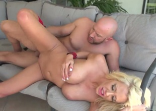 Main support Powers touches along to hottest parts of of necessity sexy Courtney Taylors body before he fucks her mouth