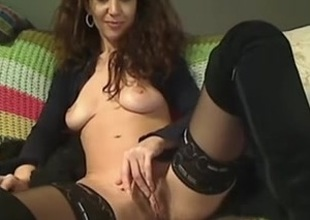 I'm excitable my curves in real dilettante milf video