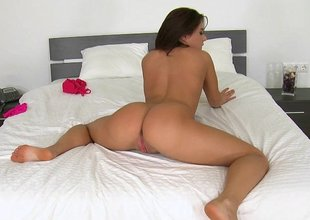 Beamy ass spread out shows how concerning do a perfect tell on cock