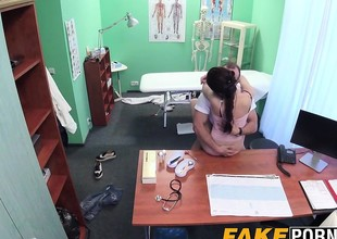 Hot Russian babe Aruna receives fucked by unpredictable intensify doctor