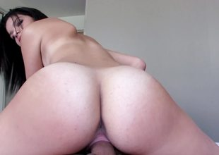 Cute bitch with nice tits prefers being on top and riding hardcore