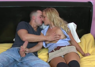 Blonde Liyla Shay is loving of bulky hose sticking revel in jeans