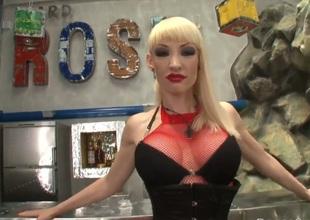 Blonde pornstars has expansive tits