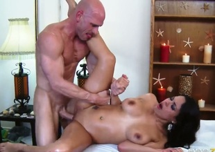 Luna Star acquires their way hairless pussy pounded by Johnny Sins