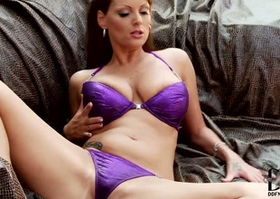 Comme ci Sheila Grant with conceitedly jugs and trimmed snatch receives frisky on cam