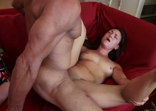 Olivia Wilder moans while sucking Tommy Gunns love stick harder and harder