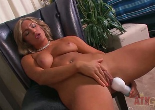 Blond Cameron Dee gets satisfaction using nothing but their way dildo