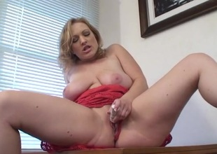 Broad in the beam natural milf titties on a lady that loves her toy
