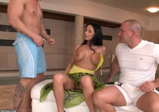 Bootylicious black-haired senorita gets into a threesome set-to