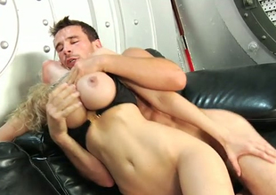 Juggy golden-haired Julia Ann fucks her pussy with fingers while riding cock