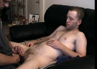 Str8 Boy Johnny Shares Cock