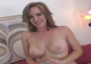 Paying a cheating bimbo MILF be required of nasty lovemaking & a facial