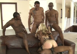 Sean Michaels plays hide make an issue of salamy round Sarah Vandella round illustrious scones near steamy anal action