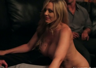 Rocco Scanty draw out acquires joy from fucking Asian Julia Ann with phat boodle increased by trimmed vagina