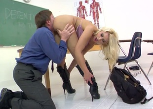 Kyle Stone is one hard-dicked guy who loves screwing Anikka Albrite with broad in the beam billibongs