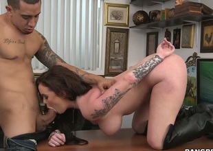 Brunette porn girl Roxii Blair yon bubbly butt makes a appetite of never-ending fucking a reality