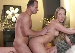 MOM Blond bombshell MILF worships the cock that copulates her